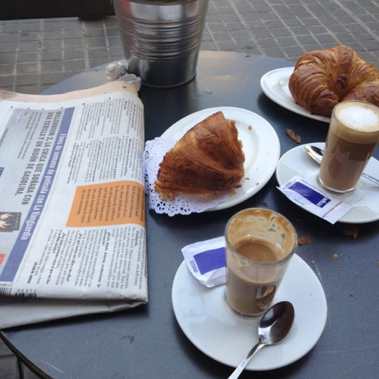 4/2/2012 tarihinde Christine M.ziyaretçi tarafından Betlem Miscelánea Gastronómica'de çekilen fotoğraf