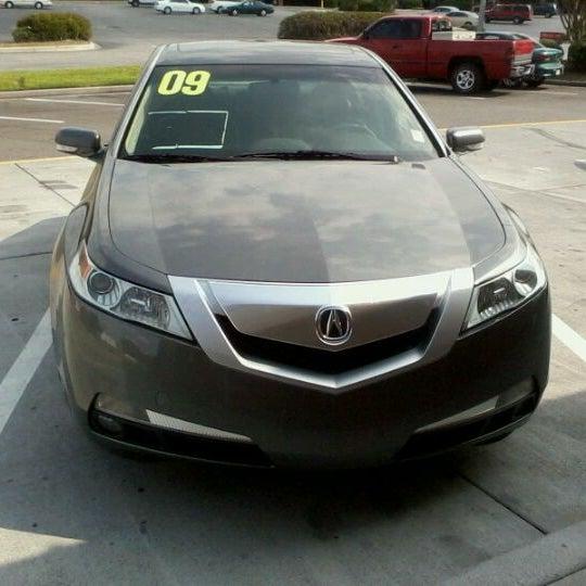 Снимок сделан в Southern Motors Acura пользователем Brian B. 9/3/2011