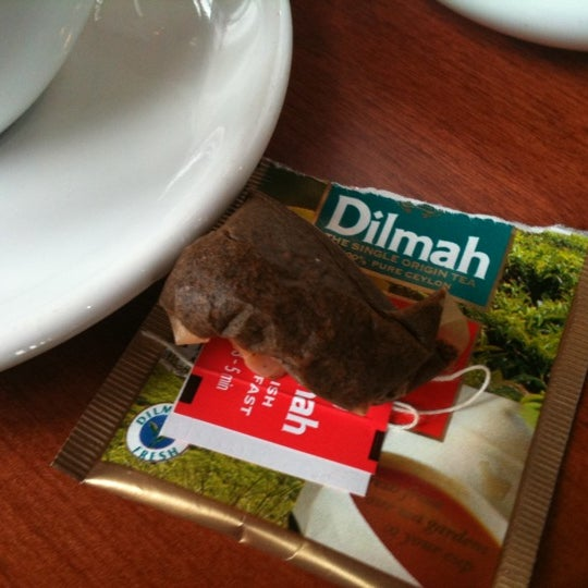 OMG thought I'd enjoy a lovely cafe cup of tea and got a dirty Dilmah teabag sitting in a cup unbelievable!!