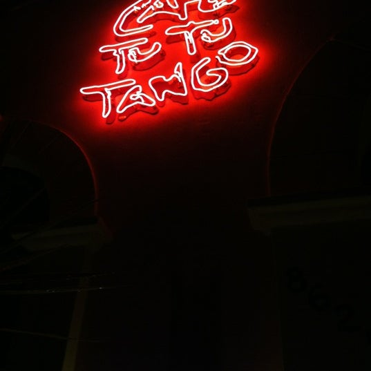 Foto diambil di Café Tu Tu Tango oleh Megan M. pada 6/2/2012