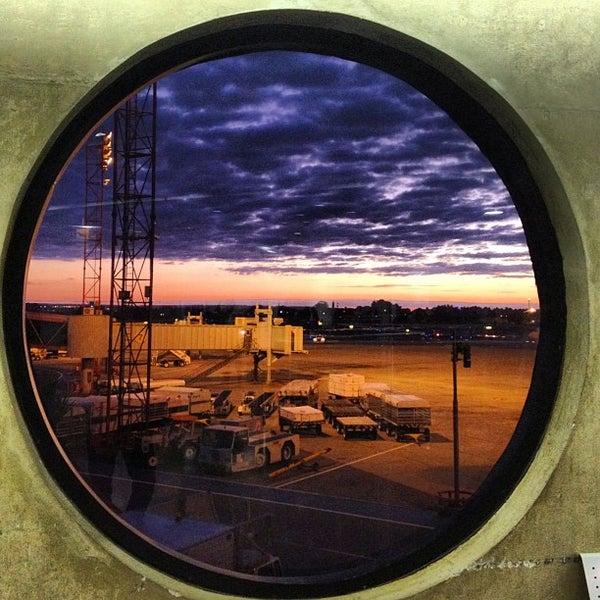 Foto tomada en Aeropuerto Internacional de Brasilia Presidente Juscelino Kubitschek (BSB) por William H. el 7/18/2012