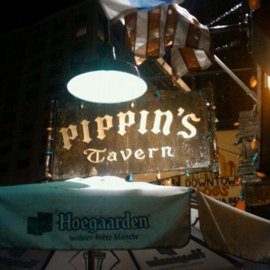 Foto diambil di Pippin's Tavern oleh Michael C. pada 8/11/2011