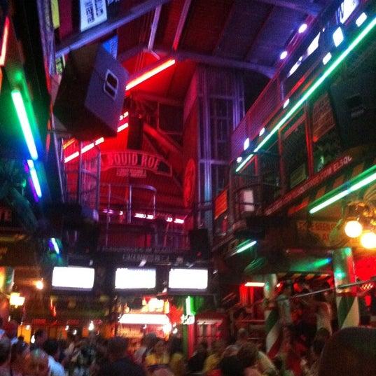 Foto scattata a El Squid Roe da Richie C. il 9/1/2012
