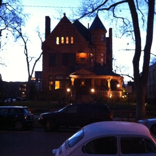 11/14/2011에 Tim O.님이 Capital Hill Mansion Bed & Breakfast Inn에서 찍은 사진