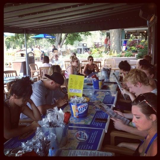 Foto tomada en Lord Fletcher's Old Lake Lodge por Sara el 7/17/2012