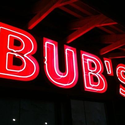 รูปภาพถ่ายที่ Bub's at the Ballpark โดย Eddie N. เมื่อ 12/21/2010