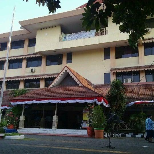 Kantor Kecamatan Tamansari Tua Jakarta 2 Conseils De 133 Visiteurs