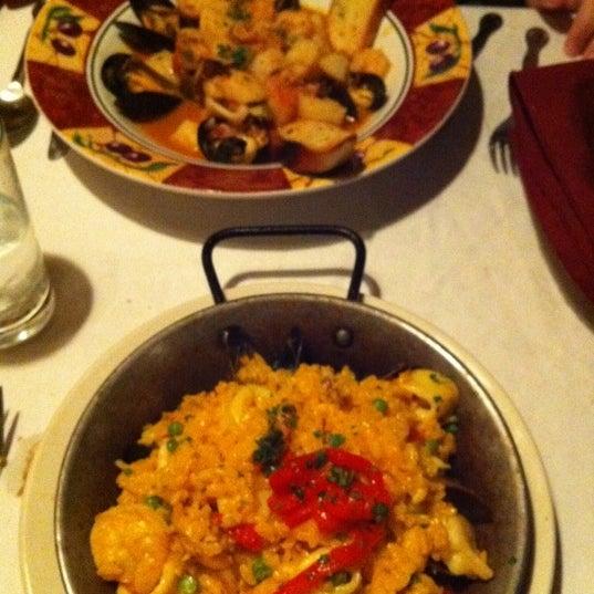 Foto scattata a Tasca Spanish Tapas Restaurant & Bar da Krystle J. il 3/21/2011