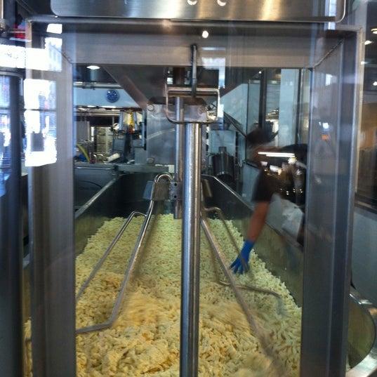 Foto tomada en Beecher's Handmade Cheese por stephen C. el 10/6/2011