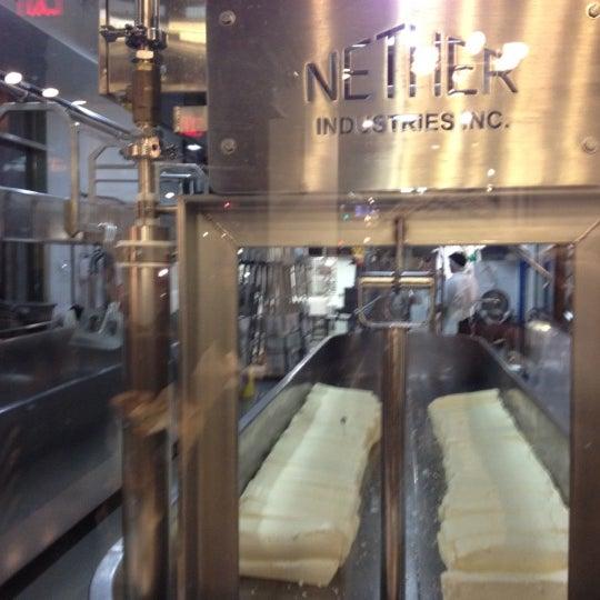 1/20/2012에 shaun q.님이 Beecher's Handmade Cheese에서 찍은 사진