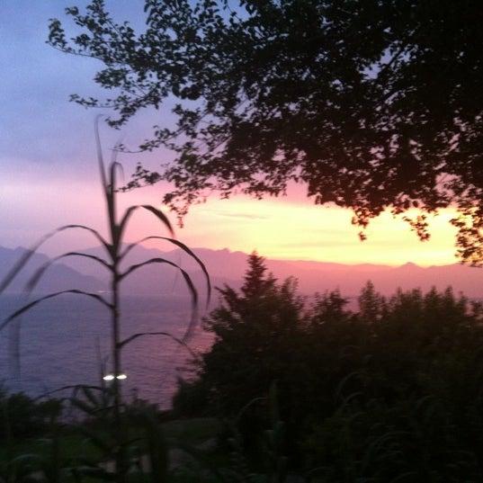 Photo prise au Tapas Cafe Bistro par Metin S. le6/22/2012