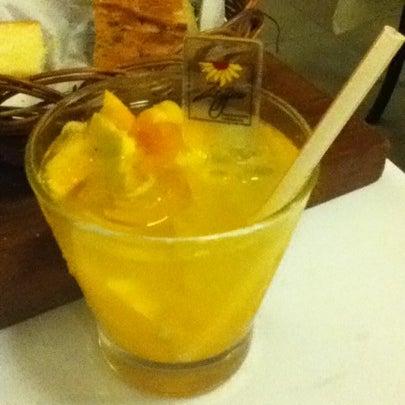 Foto tirada no(a) Zeffiro Restaurante por Niki N. em 7/23/2012