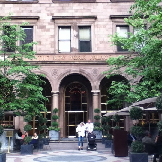 Foto scattata a Lotte New York Palace da P il 5/12/2012