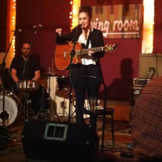 Снимок сделан в The Living Room пользователем Samuel M. 3/15/2012