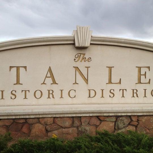 Снимок сделан в Stanley Hotel пользователем Anke S. 7/23/2012