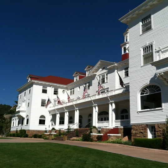Снимок сделан в Stanley Hotel пользователем Gary S. 9/5/2012