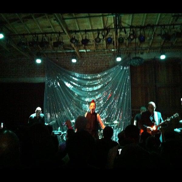 4/7/2012にRobots F.がBootleg Bar & Theaterで撮った写真