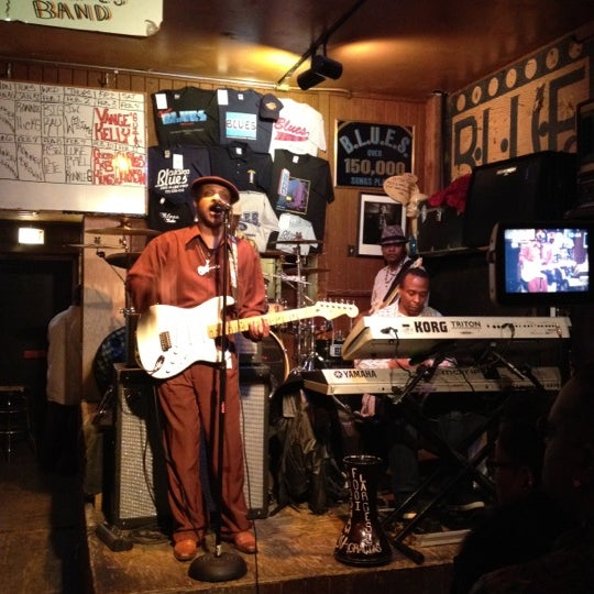 Photo prise au B.L.U.E.S. par Nate le2/5/2012