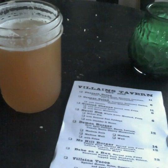 Foto scattata a Villains Tavern da Katherine N. il 6/23/2012