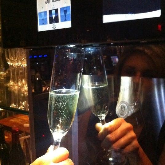 Photo prise au Dee Lincoln's Bubble Bar & Private Events par Haley S. le8/19/2011