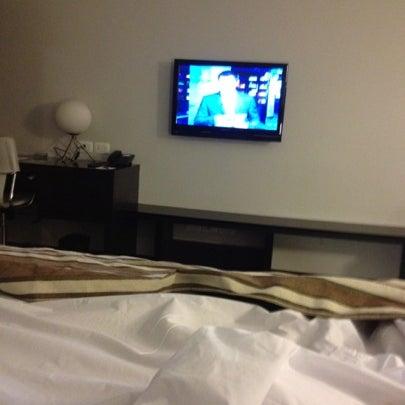 Foto diambil di My Suites Boutique Hotel & Wine Bar Montevideo oleh Guzman B. pada 8/10/2012