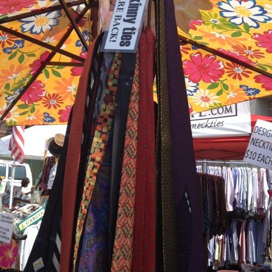 Photo prise au The Flea Market at Eastern Market par Stephanie le5/26/2012