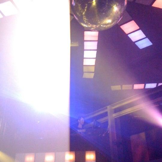 รูปภาพถ่ายที่ Boogie Disco โดย Ana Carolina A. เมื่อ 10/16/2011