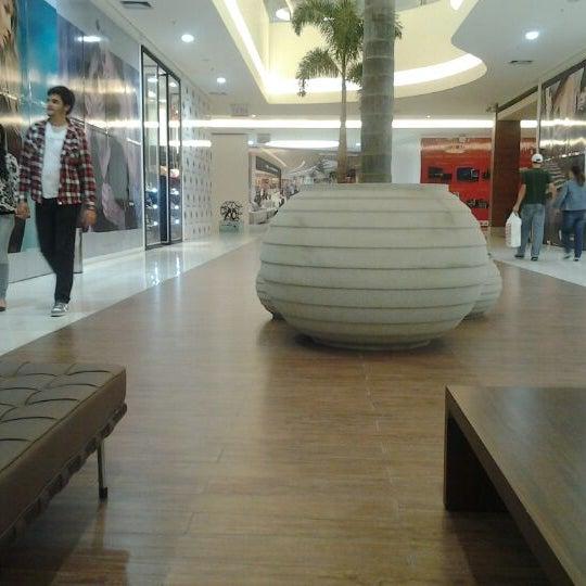 รูปภาพถ่ายที่ Shopping Park Europeu โดย Valter Joao Da S. เมื่อ 4/29/2012