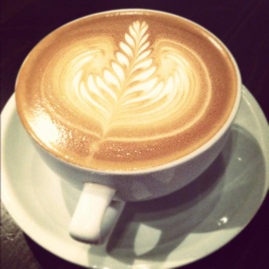 12/15/2011에 Maureen님이 The Wormhole Coffee에서 찍은 사진
