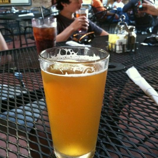 รูปภาพถ่ายที่ Firehouse Brewing Company โดย Justin เมื่อ 6/24/2012