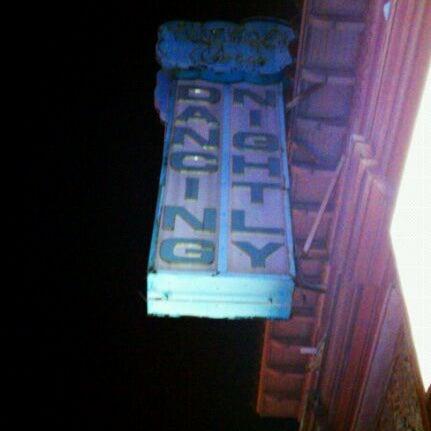 Foto tomada en Das Bunker por Anaid M. el 5/5/2012