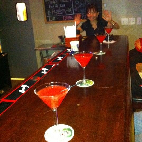 รูปภาพถ่ายที่ Cameron Bar & Grill โดย Brooke M. เมื่อ 2/4/2011