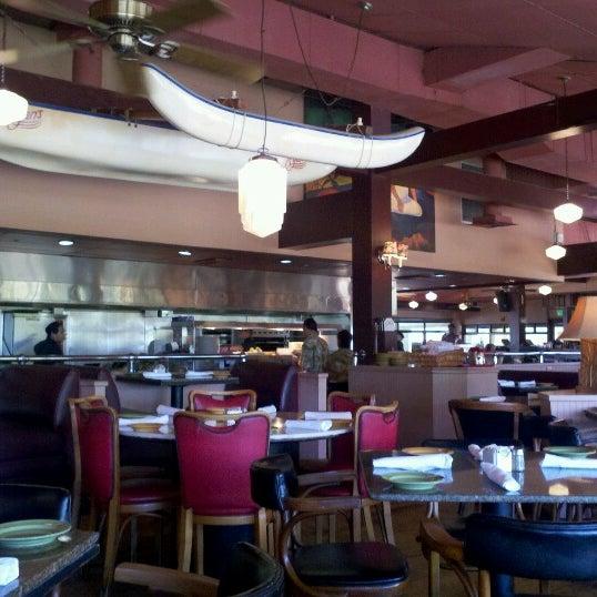 Foto scattata a Ryan's Grill da Mitchell W. il 8/10/2012