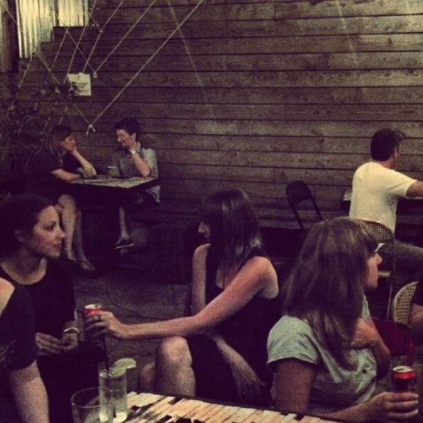 8/2/2012にDorsey S.がTrophy Barで撮った写真