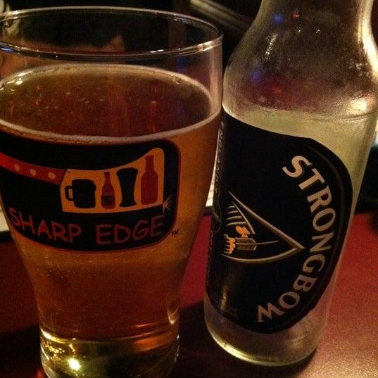 6/24/2011에 Marguerite M.님이 Sharp Edge Beer Emporium에서 찍은 사진