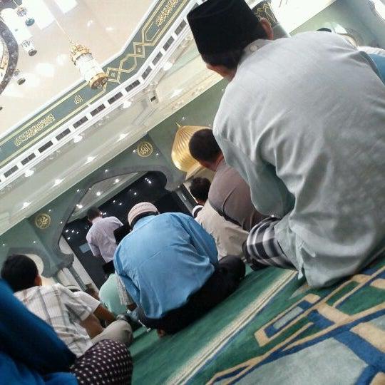 5/18/2012 tarihinde nurafifuddin m.ziyaretçi tarafından Masjid Al-Ameerah Al-Hajjah Maryam, Kg Jerudong'de çekilen fotoğraf