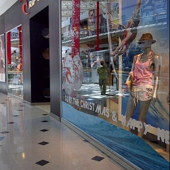 df008ada657 Photos at Rip Curl - Men s Store in Viña del Mar