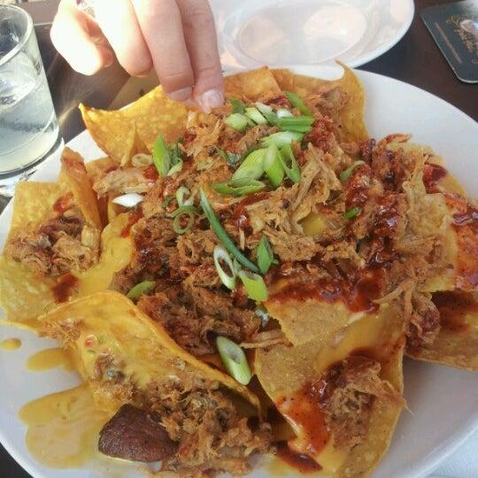 รูปภาพถ่ายที่ Tyler's Restaurant & Taproom โดย Cindel G. เมื่อ 6/18/2012