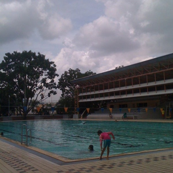 Photo prise au Clementi Swimming Complex par Keen Len C. le10/29/2011