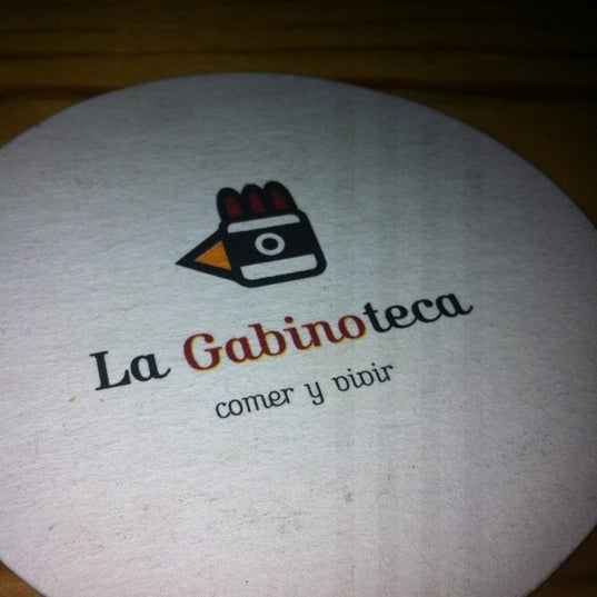 Снимок сделан в La Gabinoteca пользователем Marta A. 7/21/2011