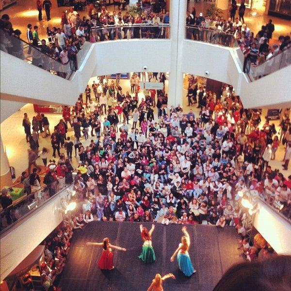 Foto tirada no(a) Shopping Palladium por Felipe R. em 4/29/2012
