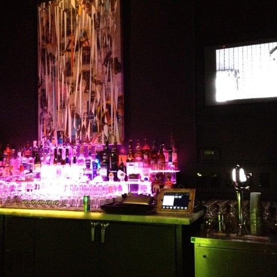Foto tomada en The Lady Silvia Lounge por Leonie M. el 3/31/2012