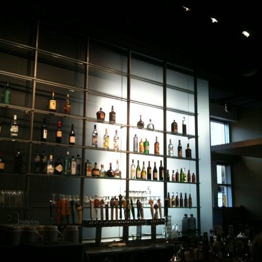Foto diambil di Amsterdam Bar & Hall oleh Laura H. pada 9/10/2011