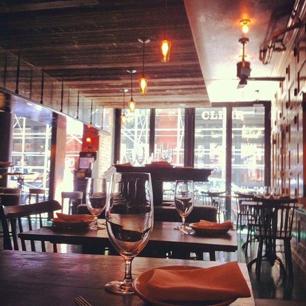 Снимок сделан в Socarrat Paella Bar - Nolita пользователем Eric V. 7/8/2012