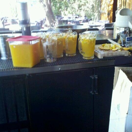 Foto scattata a Chelsea's Kitchen da Jennifer C. il 10/17/2011