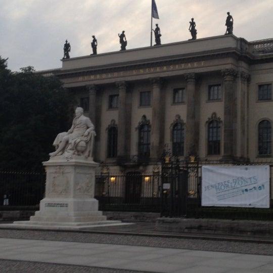 7/18/2012에 Yuliya L.님이 Humboldt-Universität zu Berlin에서 찍은 사진