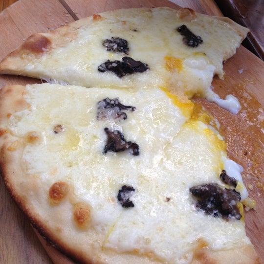 Foto tirada no(a) Cucina Asellina por Savanna R. em 6/6/2012