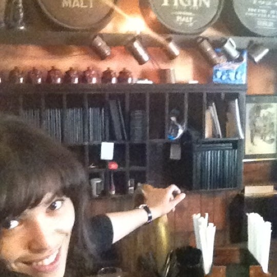 Foto tirada no(a) Tigin Irish Pub por Adrianizms em 4/9/2012
