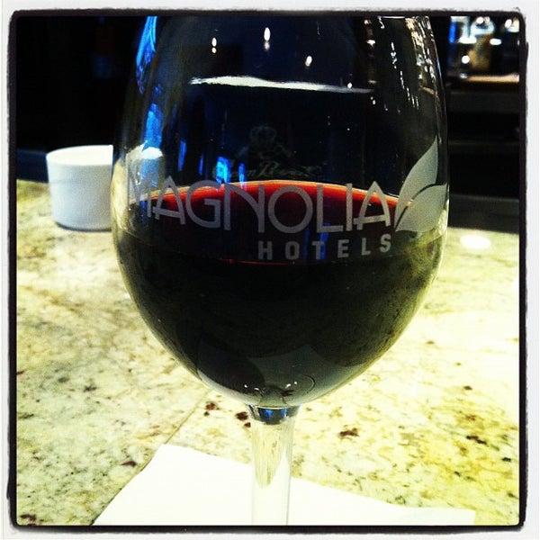 Снимок сделан в Magnolia Hotel пользователем Hawkeye 8/15/2012