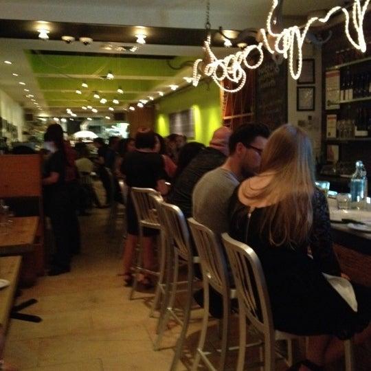 Photo prise au Pizzeria Libretto par Zee Kid le5/26/2012